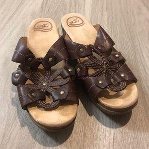 Dansko Serena Waxy Java Brown Wedge Sandals 39